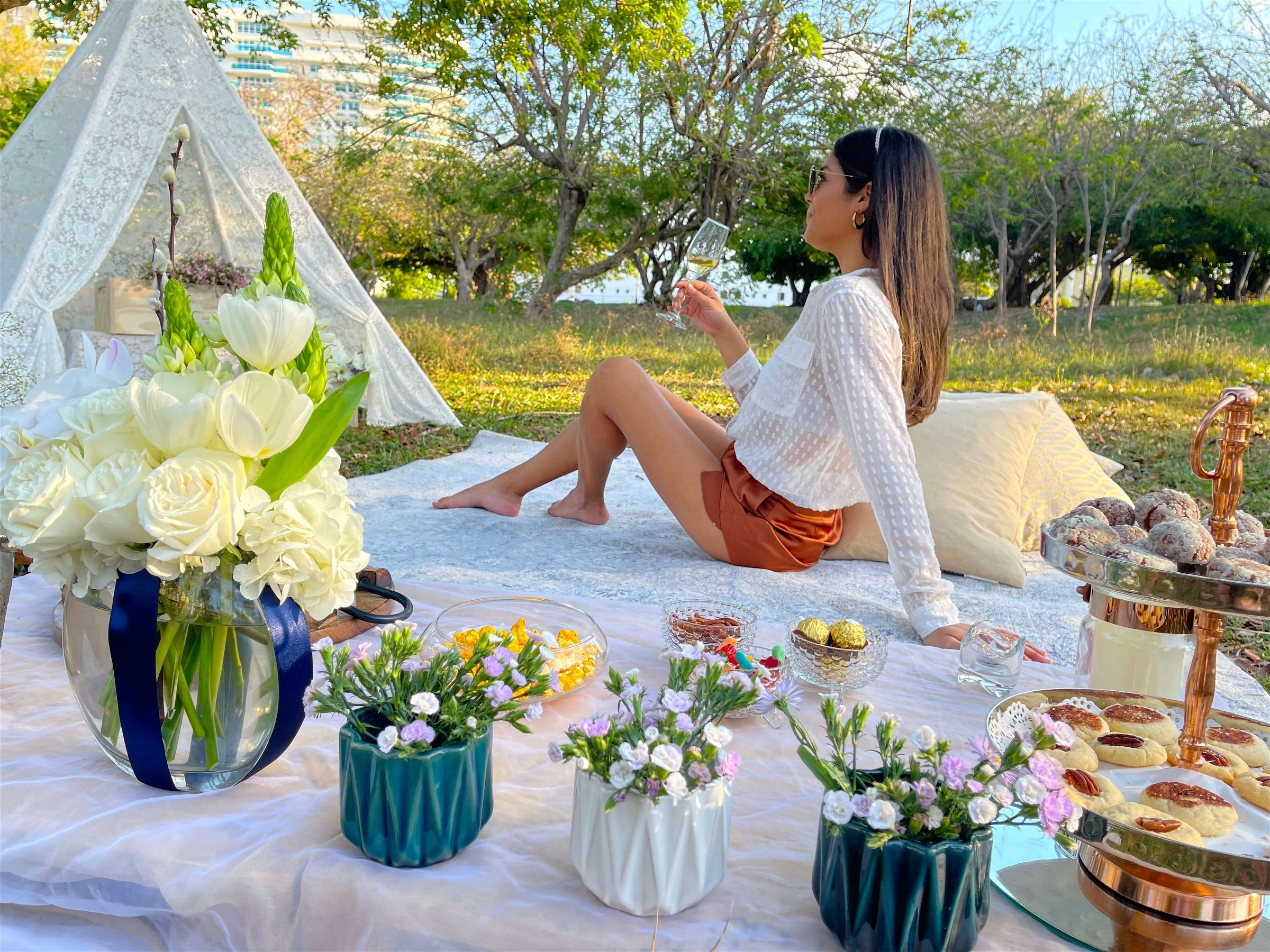 Picnic in Luis Muñoz Rivera Park in San Juan, Puerto Rico, designed by Lovely Picnic Hour.