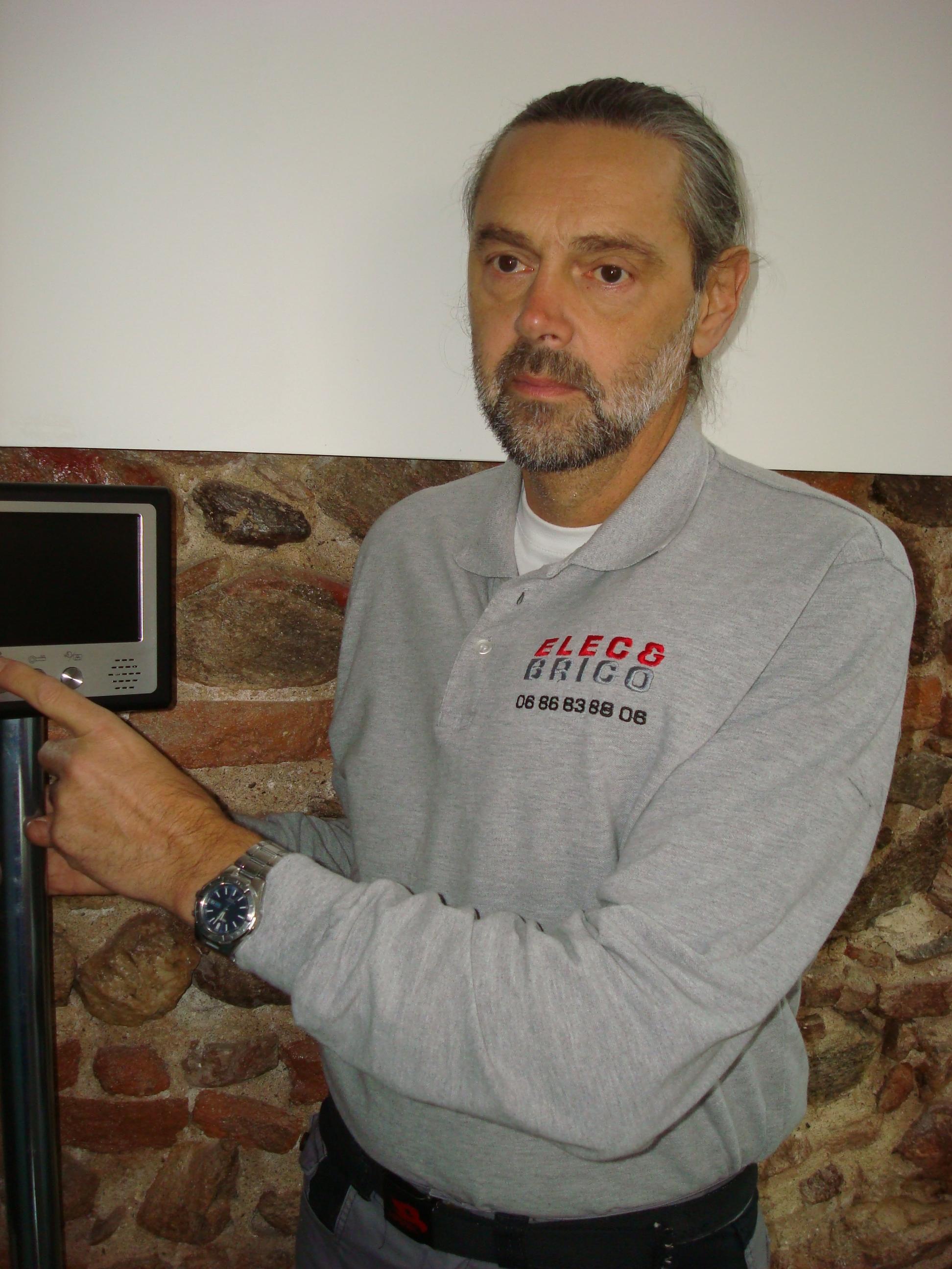 Caspar Dominique, Elec-brico, dépannage électrique et réparation.